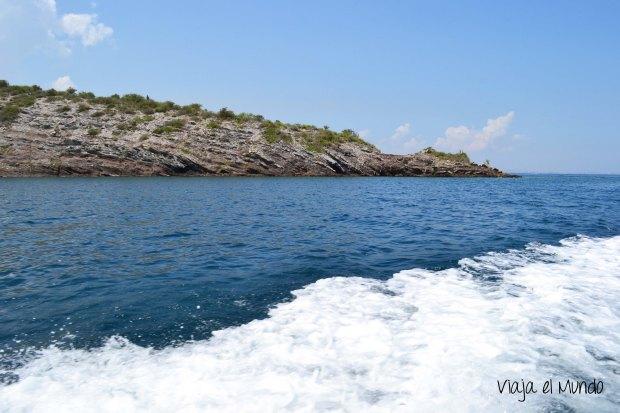 El paisaje de Mochima: montañas y mar