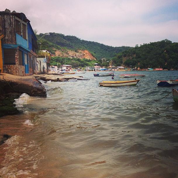 Las casitas a la orilla del mar