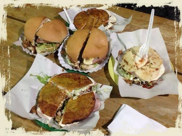 Patacones, arepas o hamburguesas se comen por todos lados
