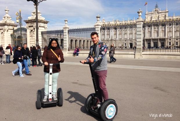Con Nacho, mi guía, en el Palacio Real