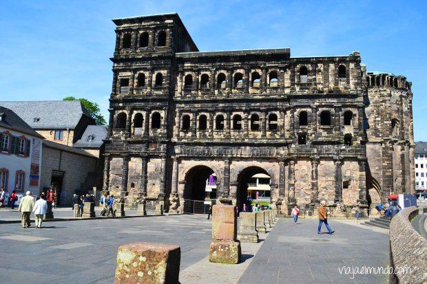 La Puerta Negra es la entrada a la ciudad