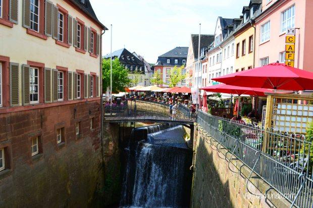 La cascada de 20 metros es una de las principales vistas de Saarburg