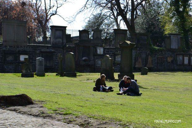 En Edimburgo es muy normal convivir con la muerte