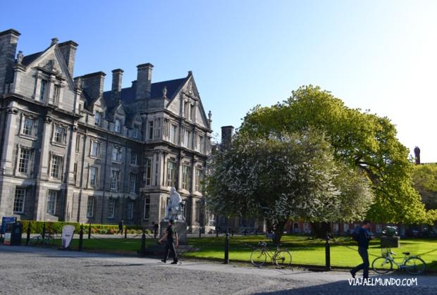El Trinity College, un día soleado