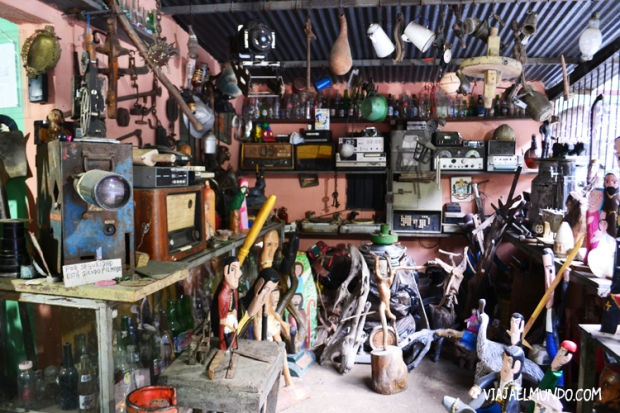 El taller de Alberto Manzanilla es un mundo dentro de su mundo