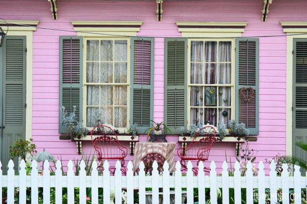 y sus casas parecen galerías de arte al aire libre