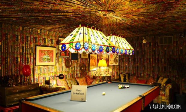 El salón de billar, decorado a su gusto