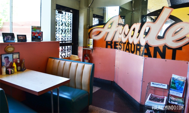 Y la famosa mesa en The Arcade Restaurant