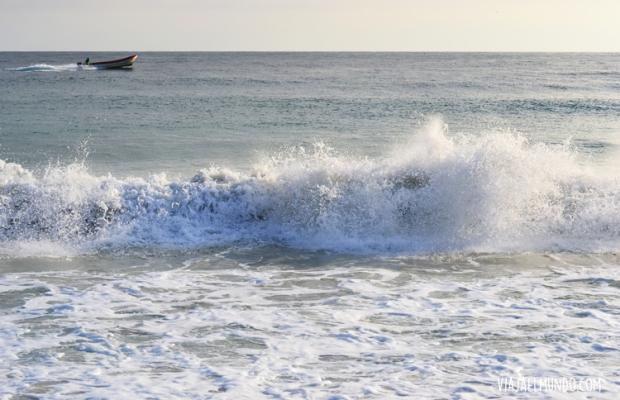 Dormir con ese estruendo de olas en Chuao