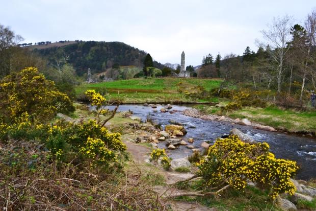 La otra parte del verde está en el silencio de Glendalough