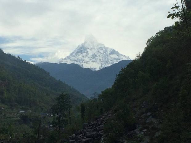 Vista del pico del Annapurna desde el hostal donde dormí el primer día de trekking