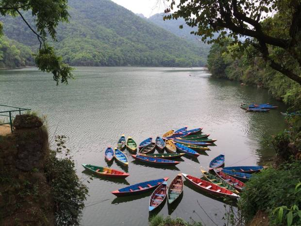 Vista del lago Phewa, en Pokhara