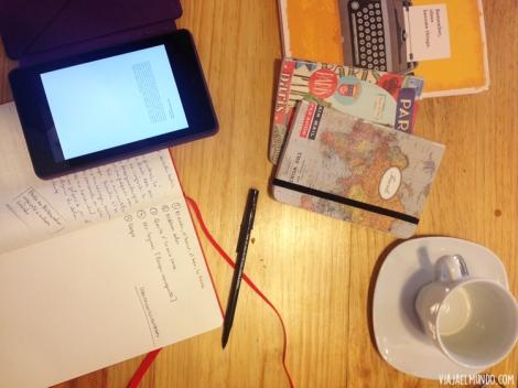 En el café, uno de los tantos días de (re) lectura de libretas